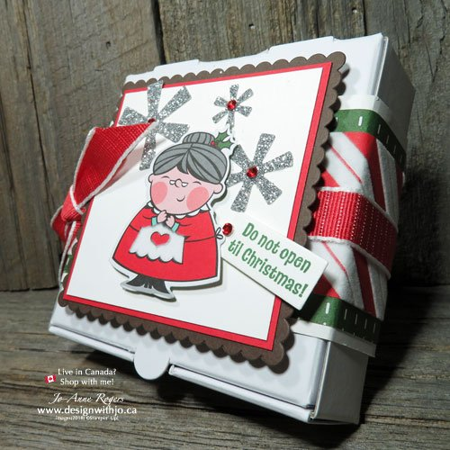 Don't you LOVE unique Christmas wrapping ideas?