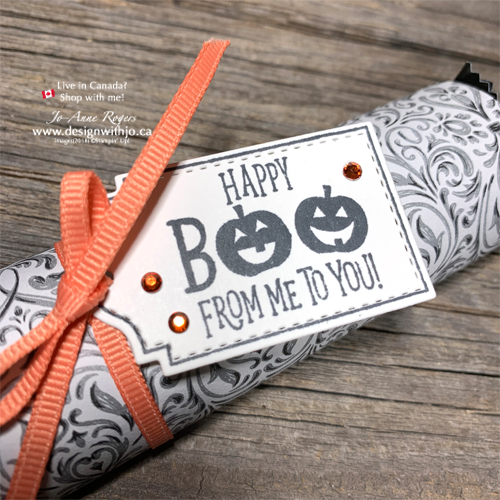 How Cute are These FAST Wrapped Candy Bar Halloween Treatholders? Learn to make them here!