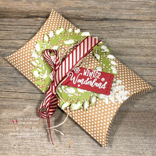 Decorate a Fancy Christmas Pillow Box with All Around Wreath Dies