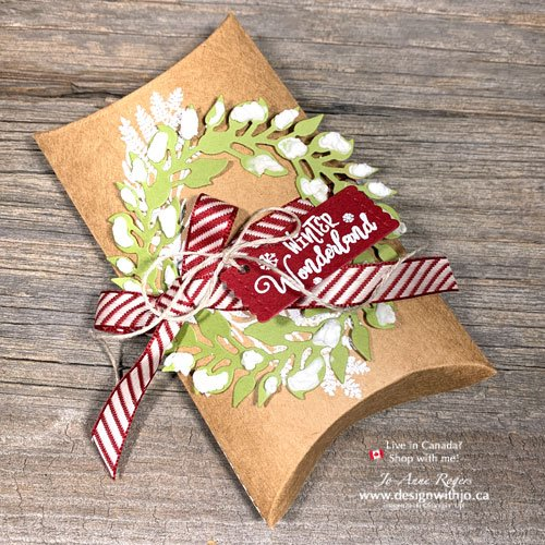 I LOVE This Fancy Christmas Pillow Box for Last Minute Gifts